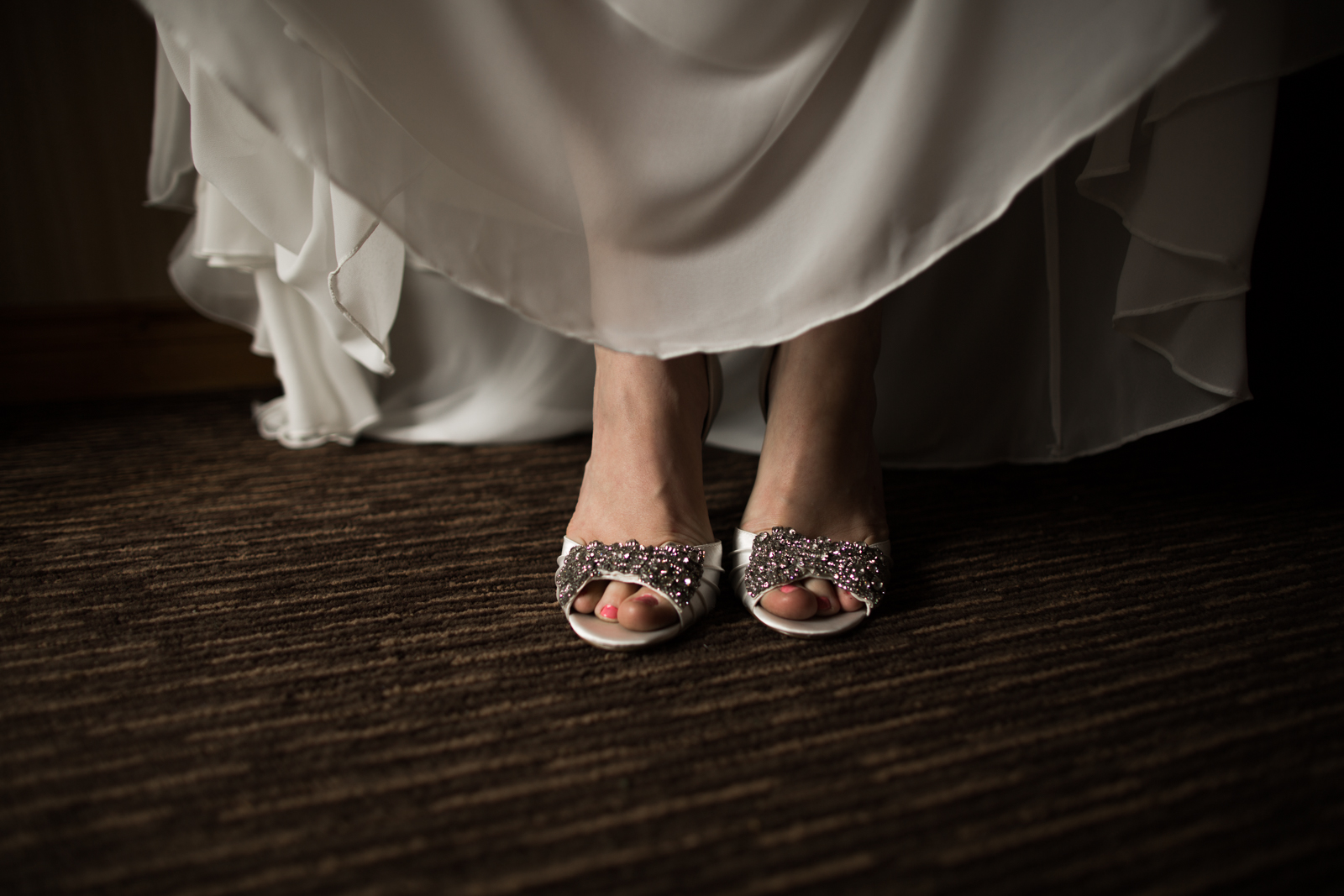 30Willow_and_Wolf_Photography_Katie_and_James_Waterton_Wedding_Blog242-Willow_and_Wolf_Photography_Katie_and_James_Waterton_Wedding_GettingReady_BEC_3552