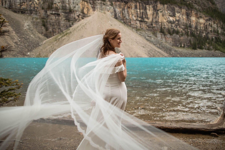 Moraine Lake veil in the wind