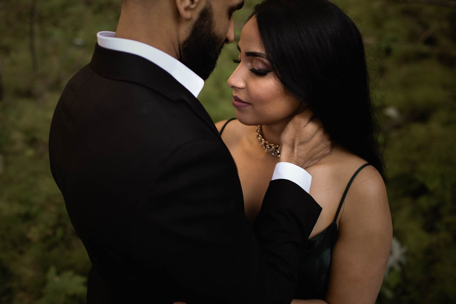 engagement photos in forest