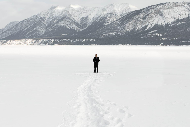 Groom at Abraham Lake